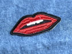 Ecusson thermocollant lèvres
