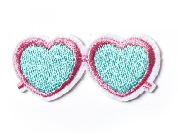 Écusson thermocollant lunettes de soleil en forme de coeur