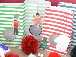 Décoration de paquets cadeaux - noeuds crépons pastel