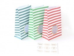 8 striped gift bags