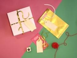 12 étiquettes cadeaux en bois