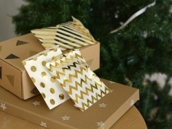25 gift bags - gold-coloured stripes