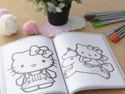 "Livre de coloriage ""Maxi-colo Hello Kitty"""