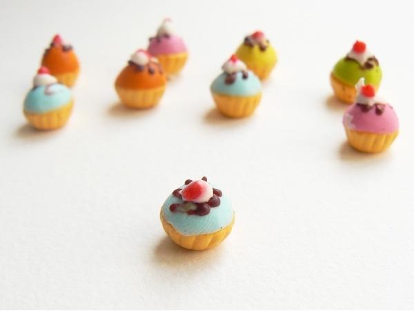 1 cupcake miniature coloré - bleu  - 1