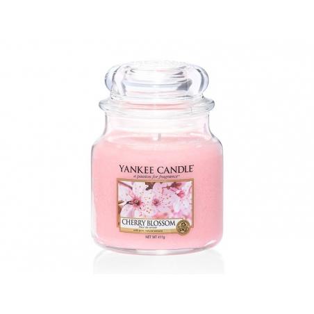 Acheter Bougie Yankee Candle - Cherry Blossom / Fleur de cerisier - Moyenne jarre - 24,89€ en ligne sur La Petite Epicerie -...