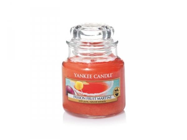 Acheter Bougie Yankee Candle - Passion Fruit Martini / Cocktail fruit de la passion - Petite jarre - 11,89€ en ligne sur La ...
