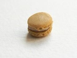 Acheter 1 mini macaron - caramel - 2,49€ en ligne sur La Petite Epicerie - Loisirs créatifs