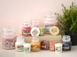 Yankee Candle - Fireside Treats - votive candle
