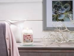 Bougie Yankee Candle - Strawberry Buttercream / Crème à la fraise - Moyenne jarre
