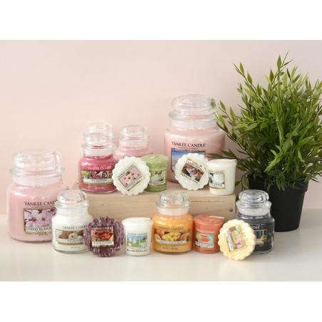 Acheter Bougie Yankee Candle - Strawberry Buttercream / Crème à la fraise - Bougie votive - 2,69€ en ligne sur La Petite Epi...