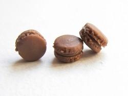 1 Minimacaron - schokoladenfarben