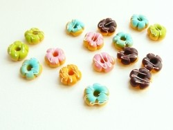 5 donuts miniatures couleurs assorties - fleurs  - 3