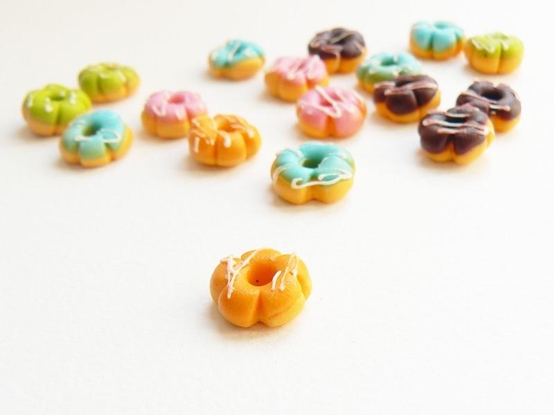 1 miniature flower doughnut - orange