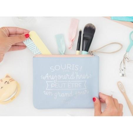 """Acheter Pochette """"Souris, aujourd'hui peut être un grand jour !"""" - 16,09€ en ligne sur La Petite Epicerie - Loisirs créatifs"""