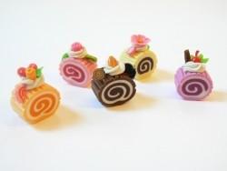 5 délicieuses parts de gateau roulé miniature   - 1