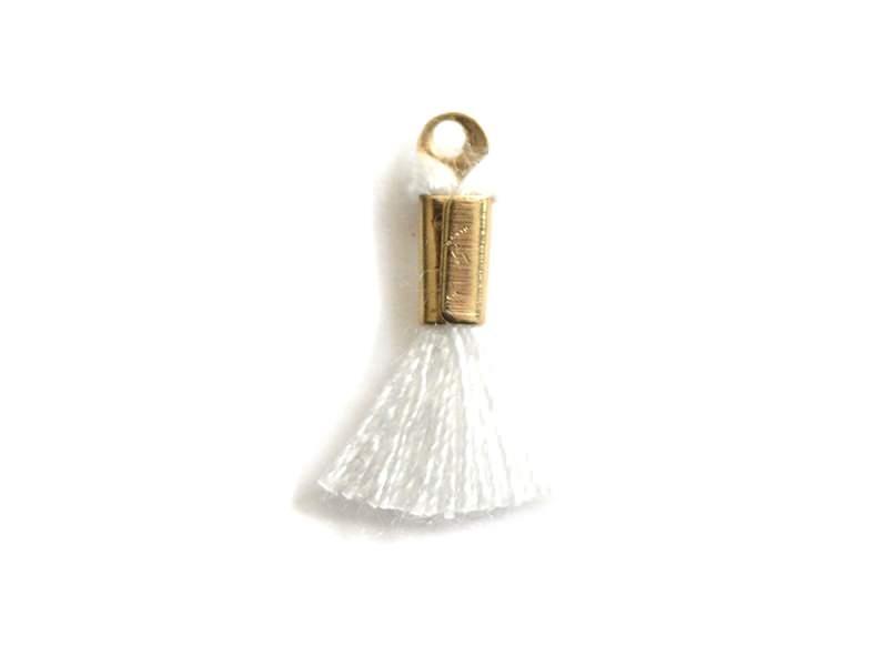 Acheter breloque mini-pompon - blanc - 0,29€ en ligne sur La Petite Epicerie - 100% Loisirs créatifs