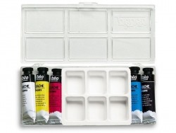 Paintbox - 5 tubes of gouache (primary colours) + a box