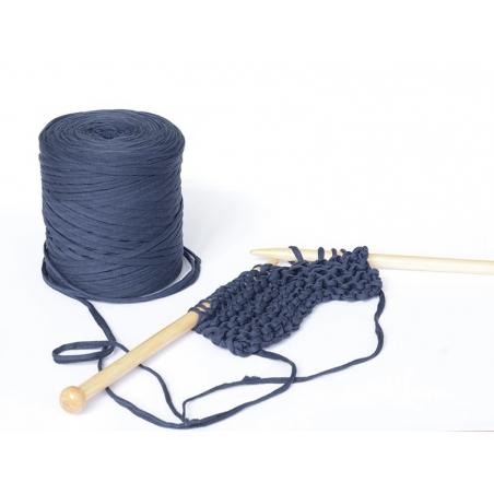 Acheter Grande bobine de fil Hoooked Zpagetti - Nuances de bleu foncé / bleu marine - 11,90€ en ligne sur La Petite Epicerie...