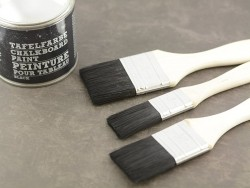 Small brush for painting chalkboards