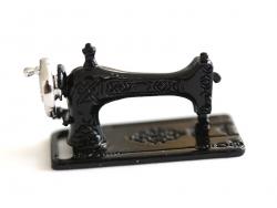 Machine à coudre miniature
