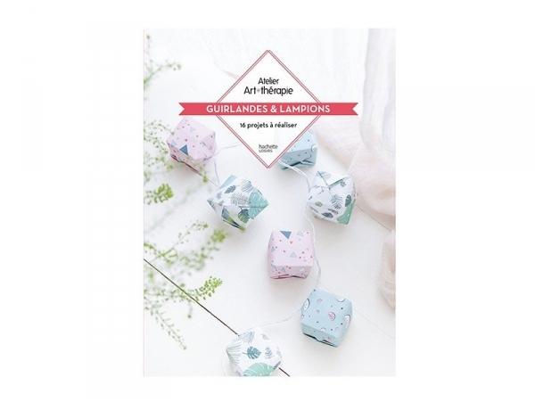 """Acheter Livre de coloriage """"guirlandes et lampions"""" - 14,95€ en ligne sur La Petite Epicerie - 100% Loisirs créatifs"""