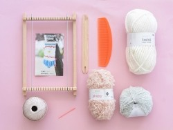 Weaving kit - pastel colours