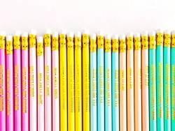 Lot de crayons - messages dorés
