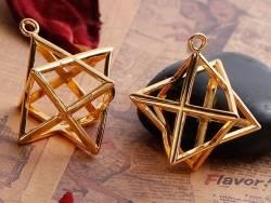 Pendentif géométrique Merkaba doré