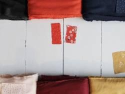 Tissu crêpe bordeaux «Amarante»