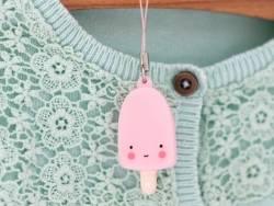 Petit charm porte-clés - en forme d'esquimau rose