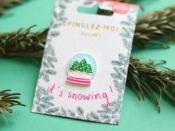 Broche pin's émaillé boule à neige