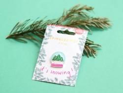 Acheter Broche pin's émaillé boule à neige - 4,99€ en ligne sur La Petite Epicerie - Loisirs créatifs