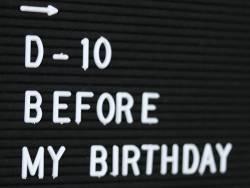 Letter board - cadre avec lettre noir - 30x30 cm  - 2
