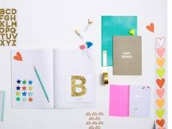 Plus de 500 mini stickers fun et pop - pour décorer son agenda et sa papeterie
