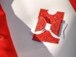 Acheter 10 mini pochettes paillettées rouge - marque place / étiquettes cadeaux  - 4,99€ en ligne sur La Petite Epicerie - 1...