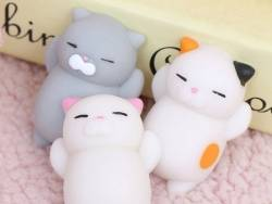 Mini squishy chat gris qui dort -  anti stress