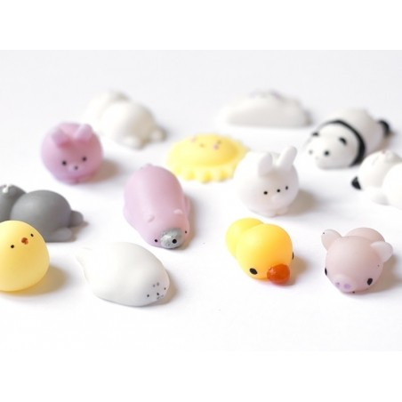 Mini squishy ours polaire rose  -  anti stress  - 3
