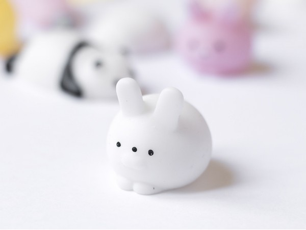 Mini squishy lapin blanc mignon -  anti stress  - 1