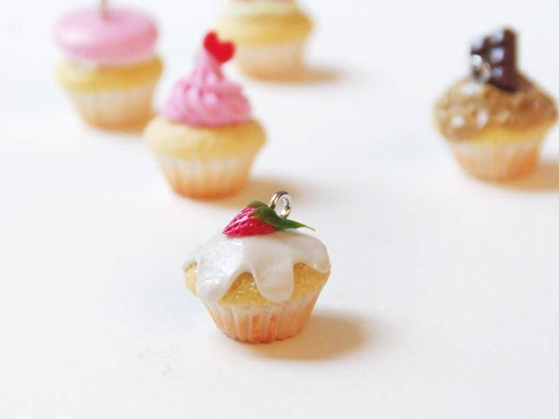Cupcake Pendant - strawberry and whipped cream