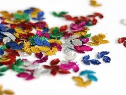 Acheter 100 sequins en forme de feuilles - multicolores - 1,49€ en ligne sur La Petite Epicerie - Loisirs créatifs