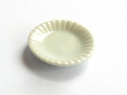 Plate with a wavy rim - 1.6 cm