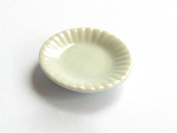 Assiette aux bords ondulés - 1,6 cm  - 1