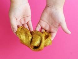 Acheter Gel pailletté doré pour slime - 250 mL - 6,99€ en ligne sur La Petite Epicerie - 100% Loisirs créatifs