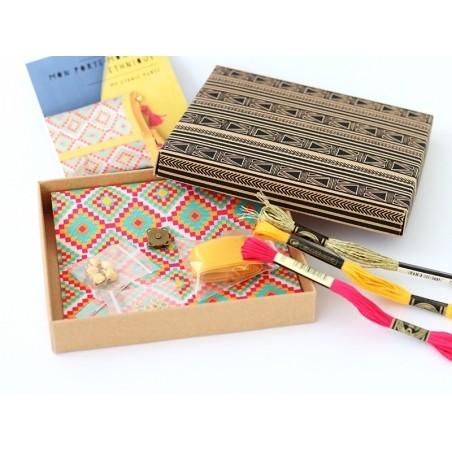 Acheter MKMI - Kit Do IT Yourself ma pochette ethnique - 16,99€ en ligne sur La Petite Epicerie - 100% Loisirs créatifs