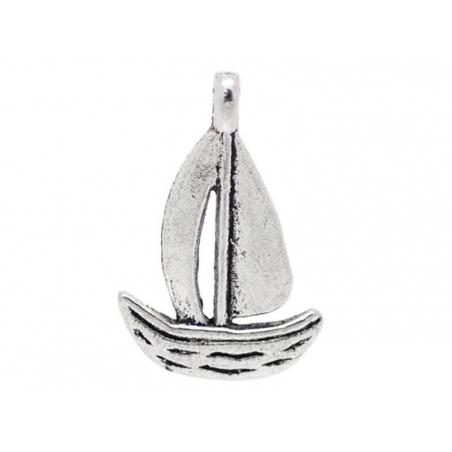 1 Breloque petit bateau / argentée  - 1