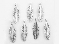 1 feather charm - silver-coloured