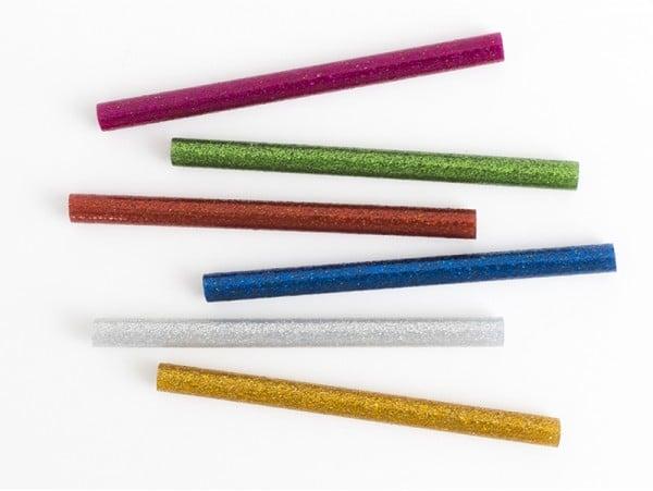 Acheter 6 bâtons de colle à paillettes pour pistolet à colle - 1,19€ en ligne sur La Petite Epicerie - 100% Loisirs créatifs