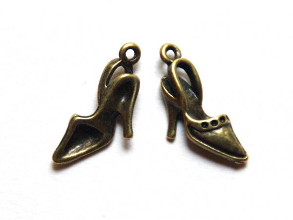 1 breloque escarpin chaussure - couleur bronze  - 1