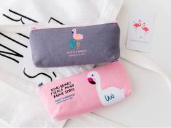 """Acheter Trousse flamant rose - """"cœur, esprit & âme"""" - 8,99€ en ligne sur La Petite Epicerie - 100% Loisirs créatifs"""