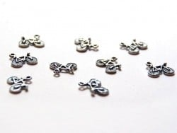 1 bicycle charm / silver-coloured